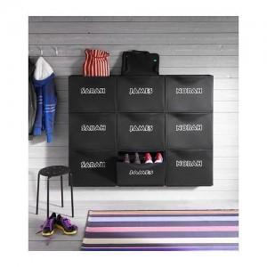 Le nom de chaque membre de la famille est inscrit sur les blocs de rangement Trones d'Ikea - Photo ikea.com