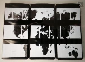 Bloc de 9 rangemenst Trones Ikea avec stickers figurant une planisphère - Photo Pinterest