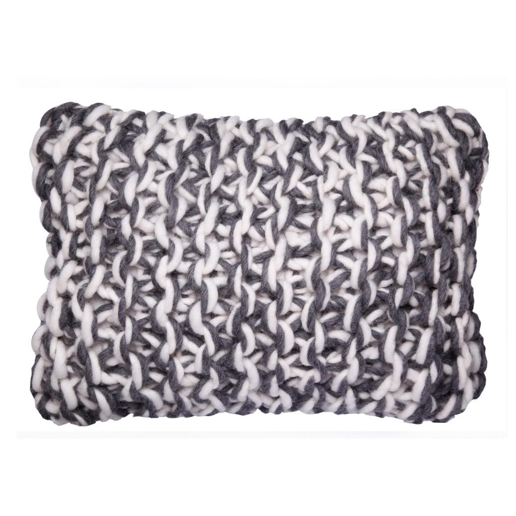 coussin original design en grosse laine haut de gamme