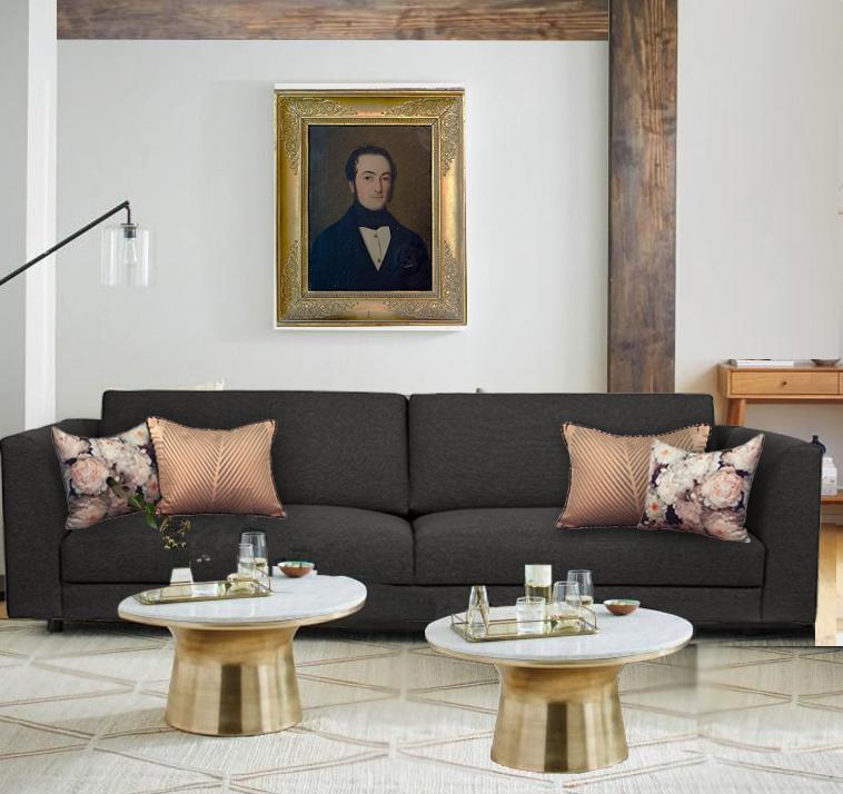 DEs coussins dorés et or rose pour un canapé gris foncé
