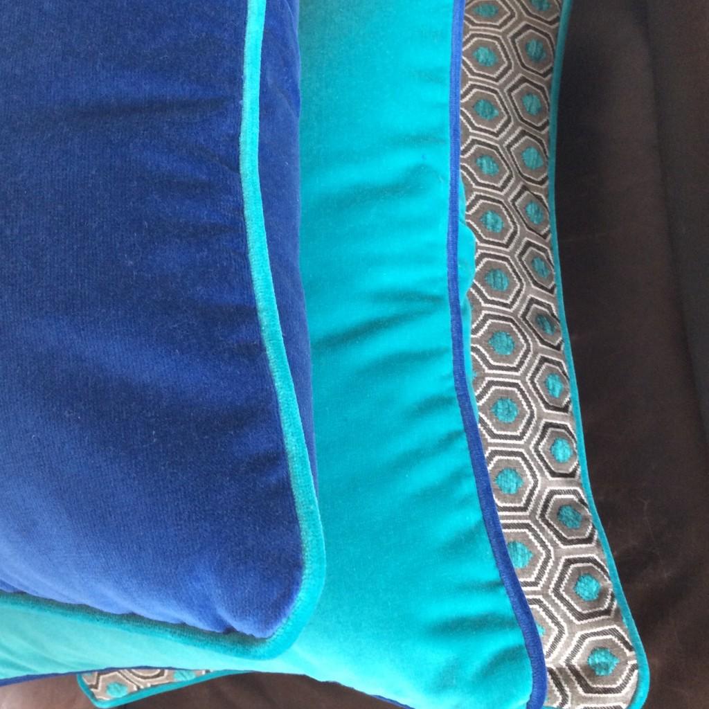 Coussins deco bleus en velours haut de gamme