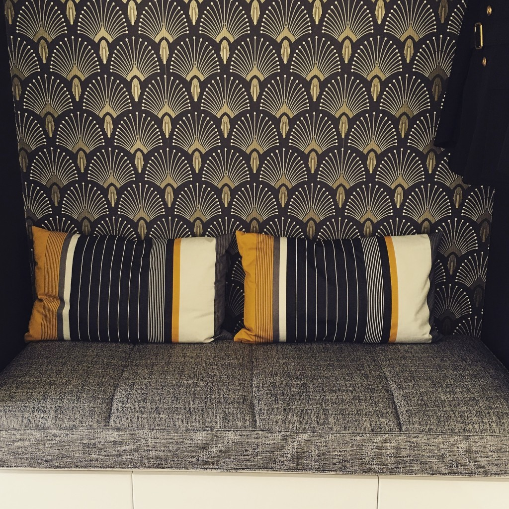 matelas pour banquette lesprit alcove. Black Bedroom Furniture Sets. Home Design Ideas